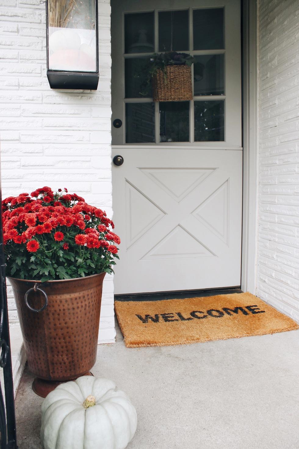 My Simple Fall Porch + Lantern