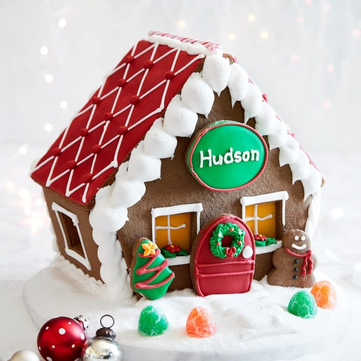 Spread Joy and Cheer this Year with Adorable Holiday Treats!