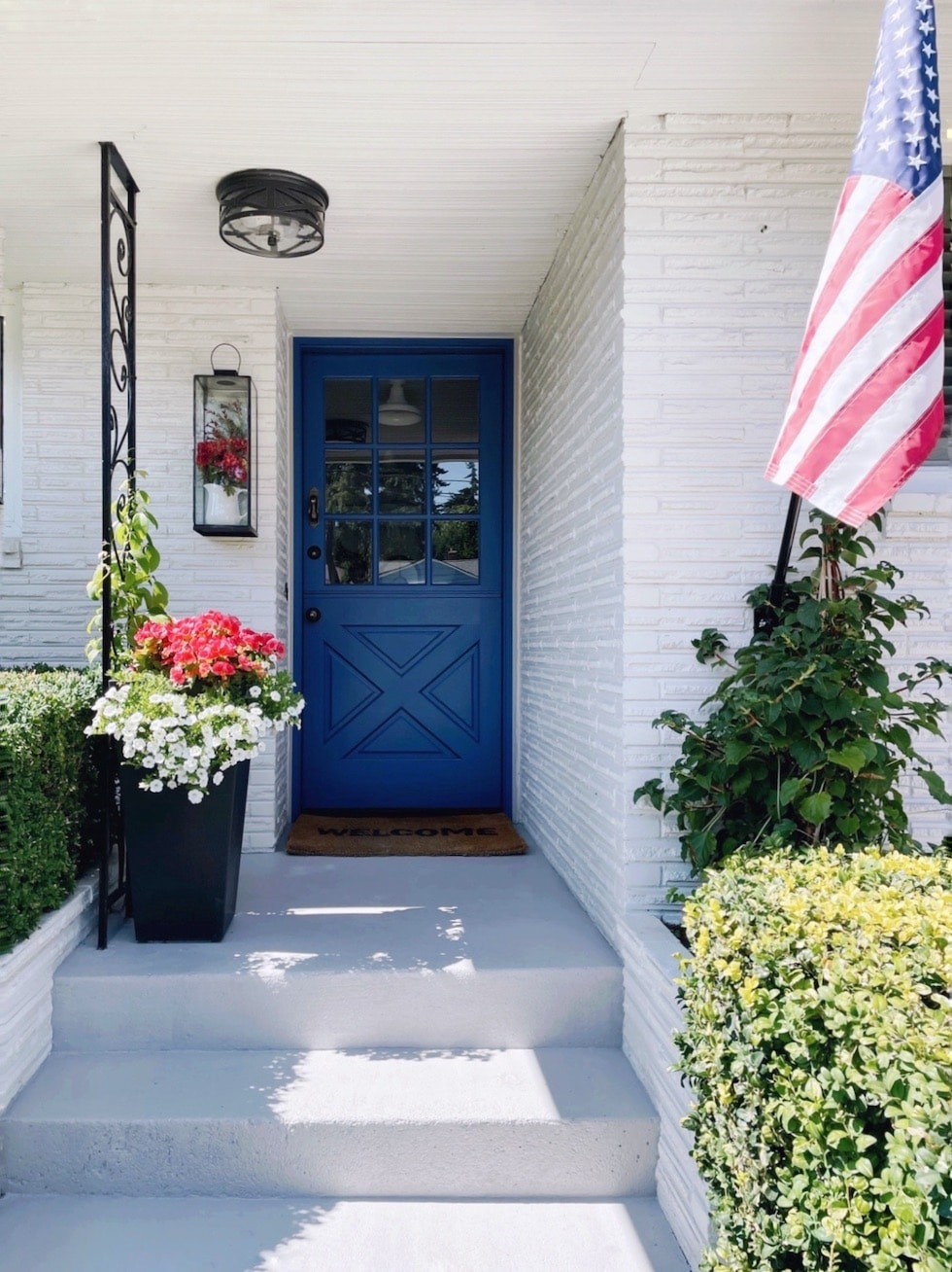Transitioning Our Entry Porch for Fall {Painted Concrete!}